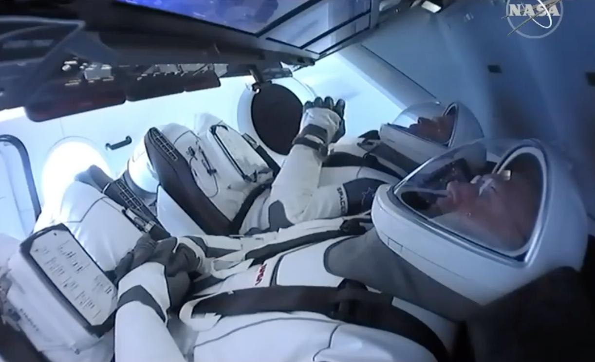 Корабль Crew Dragon успешно стартовал с мыса Канаверал
