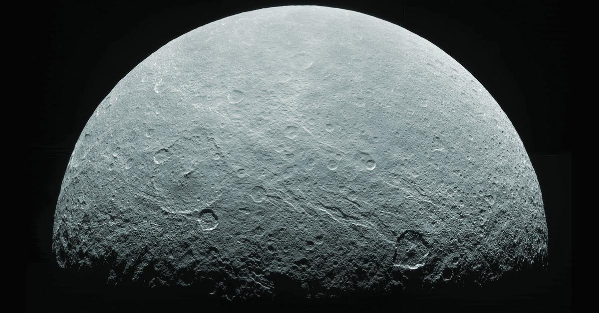 покажем феба спутник сатурна фото охоте передалась